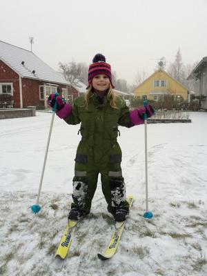 Klara Landegren i Lillån testar skidföret.