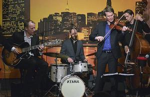 Mads Tolling Quartet med Jacob Fischer gästade Ö-vik och Härnösand i dagarna.