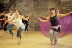 Deltagarna tyckte att det var jättekul att lära sig magdans.