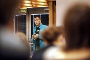 Pär Sundin, chef för ungdomsroteln vid Östersundspolisen, berättade om drogförebyggande arbete bland ungdomar i Jämtland.