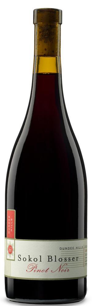 Utmärkt pinot noir. Oregon har goda förutsättningar att göra bra viner på den kräsna pinot noir-druvan. Sokol Blosser är en verkligt god exponent.