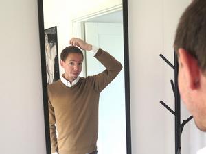 Christian Rosenqvist är väldigt nöjd med sin hårtransplantation.