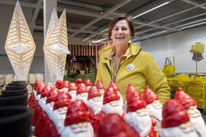 Carina Ruda har jobbat med julen sedan i maj i hennes arbete som säsongsansvarig på IKEA i Birsta.