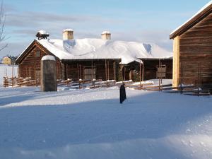 Bilden tagen vid hembygdsgården bredvid Ovikens gamla kyrka när vinden lagt sig 13 februari 2009.