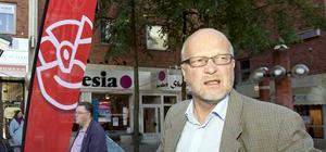 Sven-Erik Österberg tippas bli näste socialdemokratiske partiledare, men han vill inte svara på om han kandiderar.