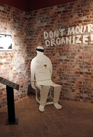 Martyrskapet problematiseras i utställningen om Joe Hill.