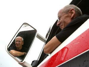 —Det är nog själva tekniken och fordonen som fascinerar mig mest, och att kunna köra dem mjukt och fint, säger Lars Skoogh.
