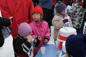 Blåbärssoppebordet var populärt.