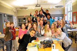 Stolta. De rådde en uppsluppen stämning i klass 5A på Järntorgsskolan när det stod klart att de skulle få tävla i Vi i femman.
