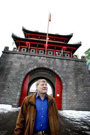 2004: Erland Ågren säljer hotellet till Jingchun Li, kallad Mister Li.