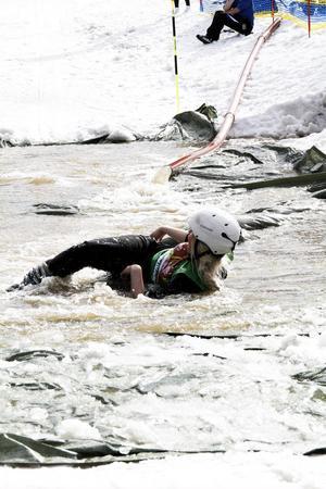 En av Kungsbergets skidskollärare ville också testa på surfing.