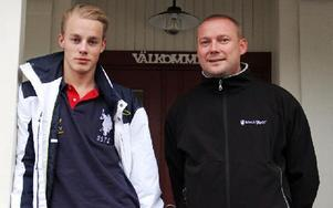 Anton Siljeström och pappa Fredrik Rozén är hemma i Leksand, en livserfarenhet rikare. Får de ihop pengar åker de igen i vår. Foto: Bengt Pettersson