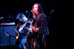 Simon Alfredsson spelar och sjunger även i Insincerity.