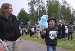 Den blå sockervadden var populär bland barnen.