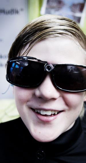 Alexander Nordlund har tagit på sig glasögonen som klarar det mesta.