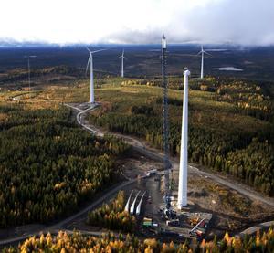 Nu kan SSVAB snart köra igång sex vindkraftverk i Stamåsen. Det är de första verken i företagets storsatsning i Västraområdet som tas i drift.