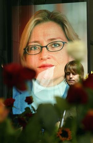 Tv-programmet om vården av Anna Lindh väcker frågor som förhoppningsvis Socialstyrelsen har svar på. Foto:SVENNACKSTRAND