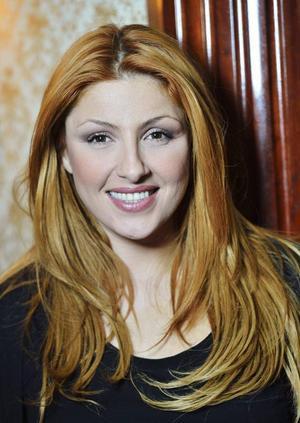 Melodifestivalen har fått nobben från Helena Paparizou otaliga gånger. Men i år kom hon självmant till tävlingen.