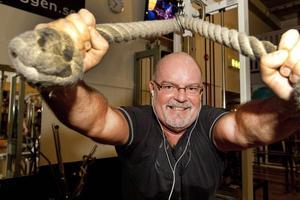 Kent Johansson har tränat på gym i tjugo år och menar att det får honom att orka med det stressiga jobbet på Trafikverket.