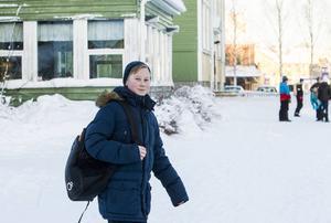 Tävlingen går ut på att eleverna får poäng efter hur de tar sig till skolan. Pontus Klang Lidholdt brukar gå till skolan – åtminstone när det inte är för kallt.