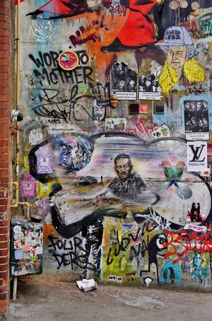 Graffitin imponerar i Shoreditch, Londons kanske hippaste område.   Foto: E Q Roy/Shutterstock.com