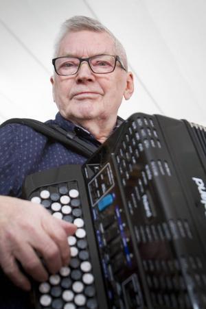 Dragspelet och musiken har följt med Gösta Strömbom sedan sjätteklass.