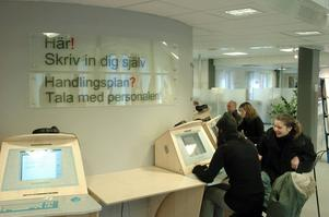 Arbetsförmedlingen kostar varje år skattebetalarna sju miljarder kronor. Småföretagarnas förbundsordförande Leif Svensson undrar om pengarna används på det mest effektiva sättet.