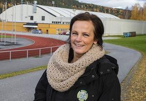Helene Johansson är lagledare och genom sitt brinnande intresse för Sollefteå Hockey tillbringar hon många timmar i Niphallen.