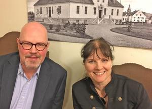 Per Westblom och Stina-Kari Axelsson i gamla Tingshuset har mycket jobb framför sig med både ny musikallinje och uppsättning av musikalen Hairspray.