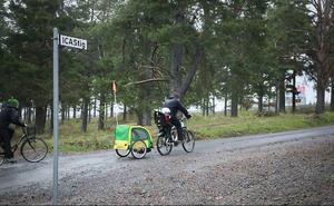 På Tallbacken och Stadsdel Norr finns vägskylten ICAStig uppsatt, men ingen vet vem som satt upp den.Foto: Olof Sjödin