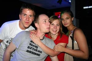 Blue Moon Bar. Johan, Erik, Åsa och Johanna