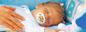Rätt kunskap kan betyda skillnaden mellan liv och död om ett barn plötsligt blir livlöst. Foto: Getty Images