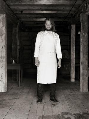 Magnus Nilsson  öppnar Korvkiosk och Svartklubben i ny lokal.