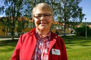 Sverige blir första EU-land att erbjuda syriska flyktingar permanent uppehållstillstånd. Irene Fregelin, Röda korset, är djupt engagerad i syriernas välbefinnande.