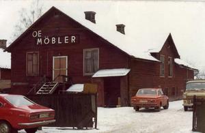 Möllers salong som den laduliknande lokalen såg ut strax innan rivningen på 1970-talet. den sista tiden fungerade lokalen som lager för Erlandssons möbelaffär.