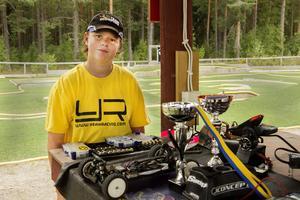 Elias Johansson från Sandviken blev bästa svensk i SM i radiostyrda bilar.