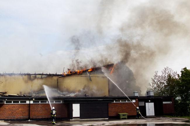 Brand i idrottshall i ljusne