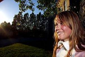 Foto: GUN WIGH Engagerad. Therése Eriksson får stipendium för sitt miljöarbete på Vasaskolan och i Unga Agenda 21-gruppen.