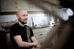 Omkring 30000 kronor räknar Johan Michelsson att hans tatueringar har kostat hittills.