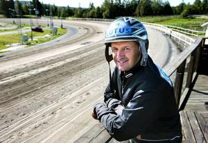 Robert Bergh flyttade nyligen de sista hästarna från gården i Töva. Numera bedriver han sin verksamhet från Hajom i Marks kommun.