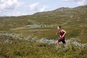 Eirik Haugsnes vann herrklassen på tiden 3.24,50. Rekord för AXA fjällmaraton