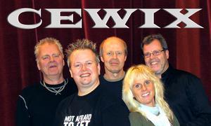 Cewix orkester som startade runt 1980 här 2010 års upplaga. Foto: Tommy Johnsson