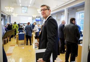 Erik Lövgren (S) tycker det är fel att folkomrösta om BB.