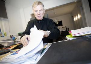 Visslaren Tomas Roslund valde att göra jobbet själv när revisorerna inte gick igång på hans uppgifter. Egenföretagaren räknar med att han hittills lagt ned cirka 500 arbetstimmar på sin privatgranskning. Uppmärksamheten som arbetet resulterat i har lett till att Seab fått stänga sin loge i Läkerol Arena och snabbt ta fram en ny personalpolicy med hårdare regler för alkoholrepresentation.