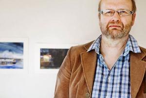 Sent ljus. Det är namnet på utställningen när Leif Öhr visar sina akvareller på Härke Konstcentrum. Hans avbefolkade och stilla bilder har en klang av finstämd melankoli som kan kännas skön i hjärtat.