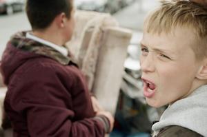 """""""The selfish giant"""" är en mycket känslig skildring av två pojkars hårda verklighet i en före detta livlig engelsk industristad. Och Sverigepremiär i Gävle, tack för det!"""