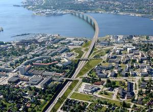 Tanken är att skapa en miljö långt ifrån asfalt och betong där ytorna i de stora trafikplatserna binder samman stadens olika delar med grönska.