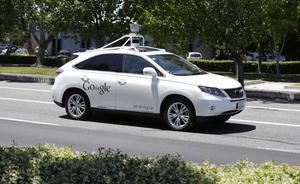 Den förarlösa bilen är verklighet. Många arbeten kan komma att tas över av robotar eller försvinna de närmaste 20 åren genom automatisering och digitalisering.