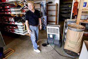 Jan Olin på Industriprofil hade en hektisk dag i går med att ta reda på sviterna efter torsdagens översvämning.