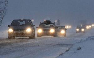 SMHI:s väderprognos för påskhelgen är ingen rolig läsning för trafikanterna. Det talas om snö, regn och allmänt ruskväder. Dimma kan säkert också vara aktuellt nära fjällen. Foto: Henrik Flygare